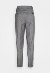 Jack & Jones PREMIUM - JJIBILL JJJORDY CROPPED - Pantalones - grey melange - 7