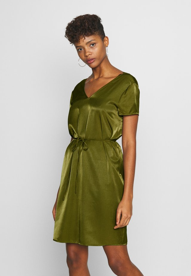 OBJEILEEN LACE V-NECK DRESS - Korte jurk - burnt olive