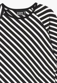 Papu - STRIPE - Žerzejové šaty - black sand - 2