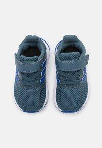 adidas Performance - RUNFALCON I UNISEX - Neutrální běžecké boty - legend blue/royal blue/signal green - 3