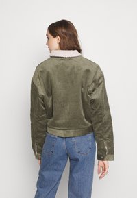 adidas Originals - JACKET - Lehká bunda - legacy green/clear brown - 2