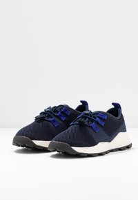Timberland - BROOKLYN FLEXI - Trainers - navy - 3