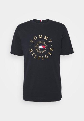 ICON COIN TEE - T-shirt imprimé - desert sky