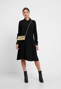 Minimum - BINDIE DRESS - Shirt dress - black - 2
