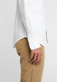 Polo Ralph Lauren - OXFORD KENDAL SLIM FIT - Košile - white - 6