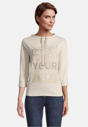 MIT PLACEMENT - Sweatshirt - weiß/camel