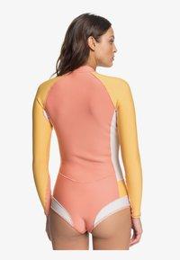Roxy - Rash vest - pink/yellow - 2