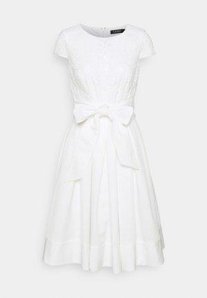 ZIARAH CAP SLEEVE DRESS - Cocktail dress / Party dress - lauren white