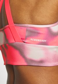 adidas Performance - AEROREADY WORKOUT BRA LIGHT SUPPORT - Sujetador deportivo - signal pink/white - 5