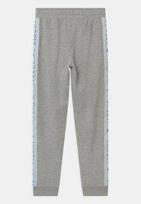Nike Sportswear - Teplákové kalhoty - grey heather/bright crimson - 1