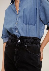 Mango - SLOUCHY - Relaxed fit jeans - black denim - 4