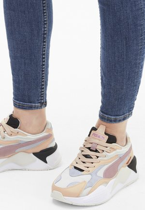 Walking trainers - marshmallow-natural vachetta