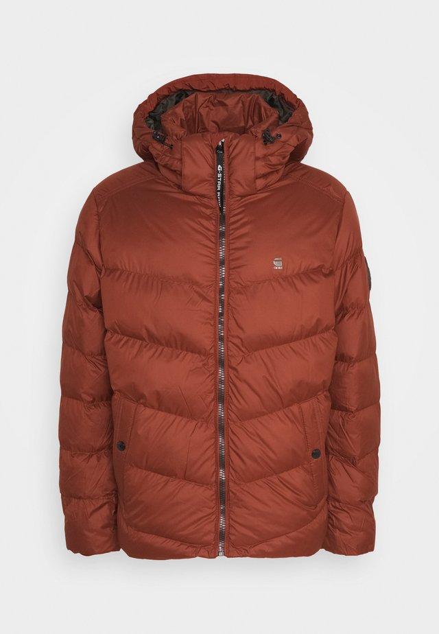 WHISTLER PUFFER - Winter jacket - dry red