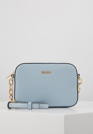 VICTORIA CLUTCH EXCLUSIVE - Across body bag - light blue