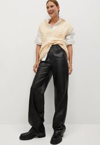 Mango - HIGH - Trousers - zwart - 1