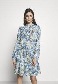 mbyM - MARRANIE - Vapaa-ajan mekko - taylor mint print - 0