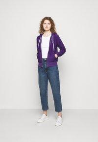 Polo Ralph Lauren - FEATHERWEIGHT - Zip-up sweatshirt - purple rage - 1