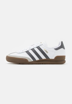 TERRACE SPORTS INSPIRED SHOES - Matalavartiset tennarit - footwear white/grey five