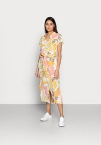 Saint Tropez - GABY DRESS - Shirt dress - birch botanic - 0