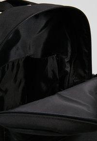 Lyle & Scott - CORE BACKPACK - Rygsække - true black - 4