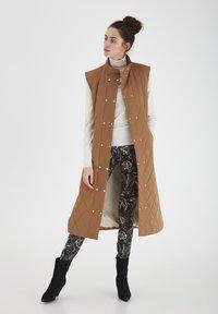 ICHI - IHANNIE - Waistcoat - thrunsh - 1