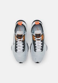 Nike Sportswear - AIR ZOOM TYPE - Trainers - grey fog/dark smoke grey/campfire orange - 5