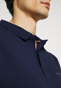 Tommy Hilfiger - CLEAN SLIM - Poloshirt - yale navy - 5