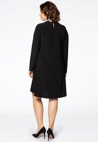 Yoek - MIT BAND-DETAIL - Day dress - black - 2