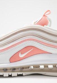 Nike Sportswear - AIR MAX 97 - Sneakers laag - summit white/bleached coral/desert sand/white - 2