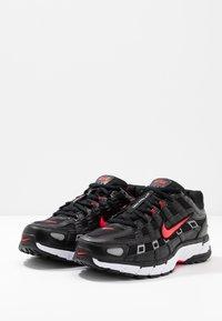 Nike Sportswear - P-6000 - Zapatillas - black/bright crimson/white/metallic silver - 2