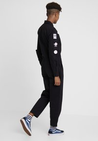 Vans - LADY COVERALL - Combinaison - black - 2