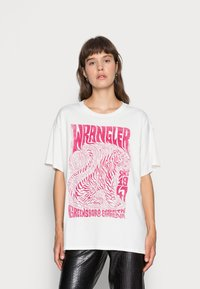 Wrangler - OVERSIZED TEE - Print T-shirt - wornwhite - 0
