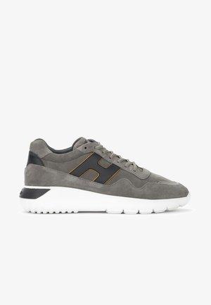 INTERACTIVE IN NABUK GRIGIO E GIALLO - Sneakers basse - grigio