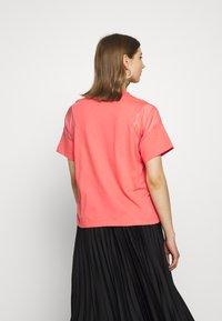 adidas Originals - T-shirts med print - magic pink - 2