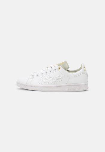 STAN SMITH W - Zapatillas - white/halo green/gold metallic