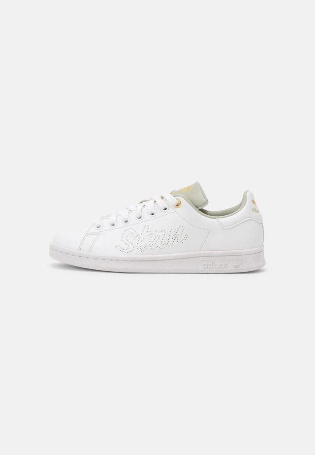 STAN SMITH W - Sneakers basse - white/halo green/gold metallic