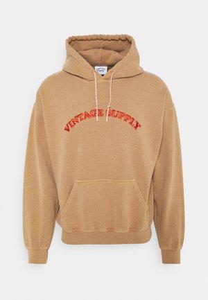 HOODIE WITH TONAL UNISEX - Sweatshirt - overdyed tan