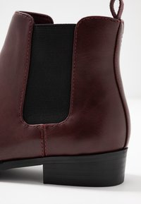 Bianco - BIABELENE CLASSIC CHELSEA - Ankle boot - burgundy - 2