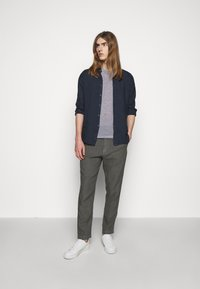 120% Lino - TROUSERS - Pantaloni - anthracite - 1