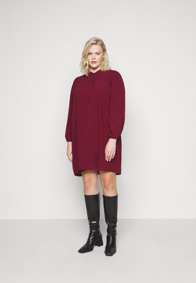 VMSAGA PLEAT SHORT DRESS  - Day dress - cabernet
