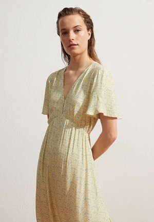 Day dress - light yellow