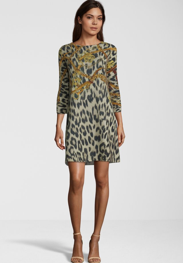 MIT ANIMALMUSTER - Day dress - brown