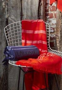 Lacoste - Towel - marine - 3