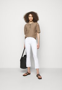 AG Jeans - JODI CROP - Flared Jeans - white - 1
