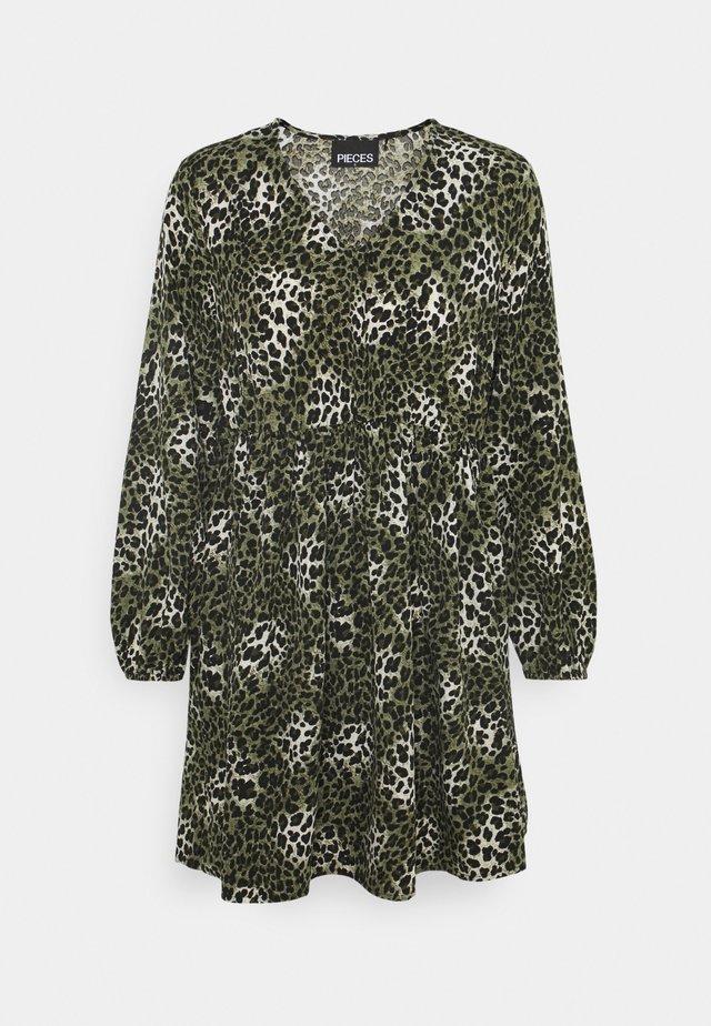 PCMARINA DRESS - Sukienka letnia - dark green
