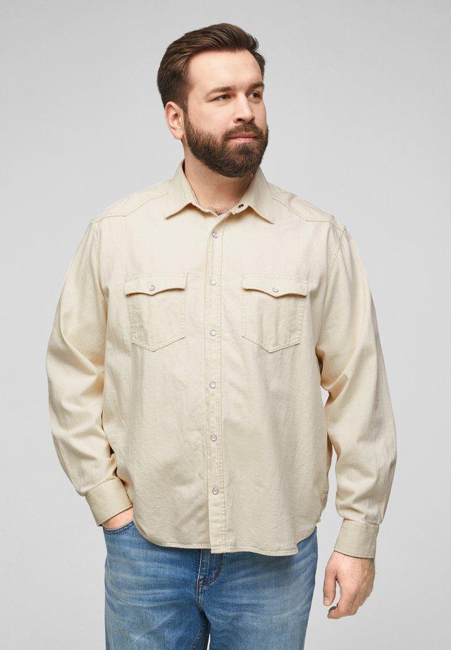 MIT PATTENTASCHEN - Shirt - lighte beige