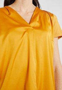 More & More - Blusa - autumn yellow - 4