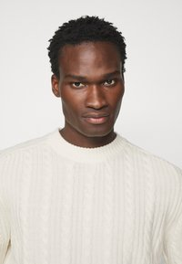 J.LINDEBERG - HENRY CABEL SWEATER - Stickad tröja - cloud white - 3