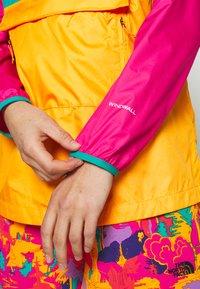 The North Face - WOMENS FANORAK - Windjack - flame orange/jaiden green/mr pink - 4