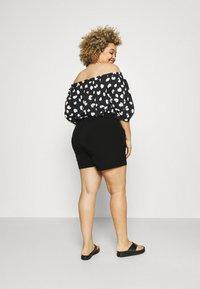 Vero Moda Curve - VMBIBI - Shorts - black - 2